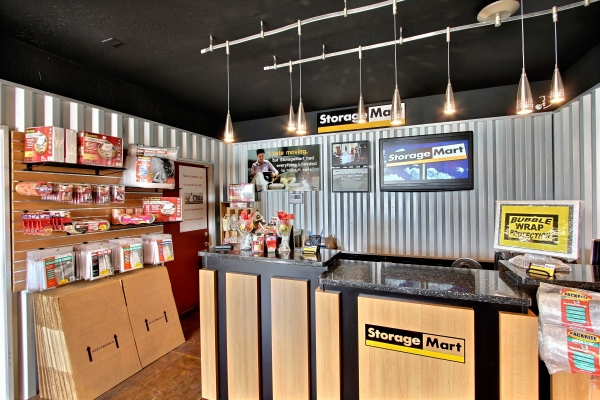 StorageMart - Mannheim & Belmont - Photo 2