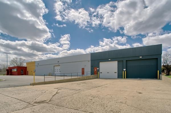 StorageMart - North Ave & I-355 - Photo 2