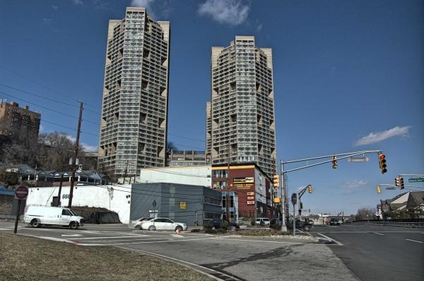StorageMart - River Rd & Ferry Rd - Photo 4
