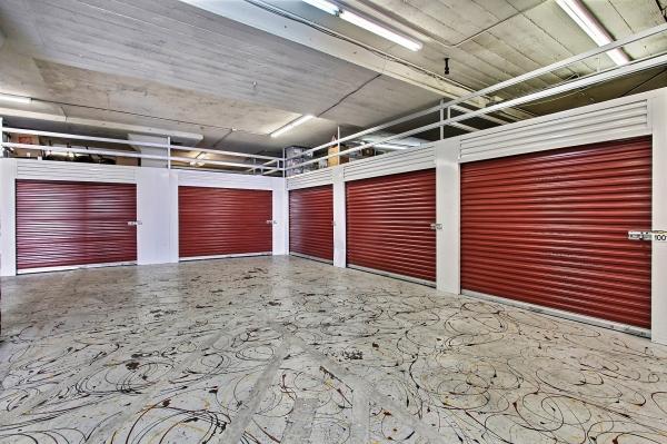 StorageMart - Market & San Pablo - Photo 4