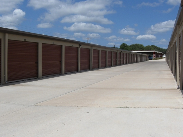 Plum Creek Self Storage - Photo 3