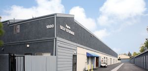Ayres Self Storage - Costa Mesa