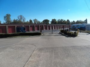 Devon Self Storage - Macon