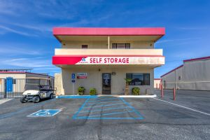 Devon Self Storage - Ramon