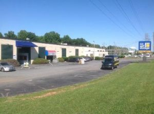 Uncle Bob's Self Storage - Charlotte - Brookshire Boulevard