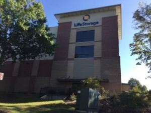 Life Storage - Atlanta - Crown Pointe Parkway