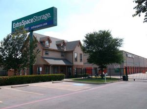 Extra Space Storage - Dallas - 19383 Preston Rd