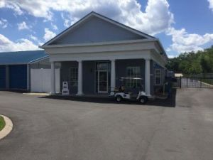 Life Storage - Hendersonville - New Shackle Island Road