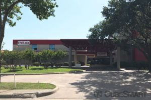 CubeSmart Self Storage - Dallas - 9713 Harry Hines Blvd