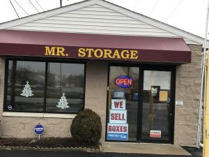Mr. Storage - Glendale Ave