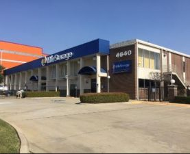 Life Storage - Dallas - Harry Hines Boulvard