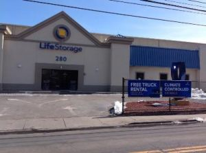 Life Storage - Stamford - Fairfield Avenue