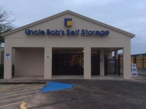 photo of Uncle Bob's Self Storage - Deer Park - Center St