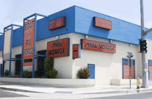 Santa Ana self storage from Anaheim Mini Storage