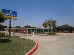 Carrollton self storage from Uncle Bob's Self Storage - Plano - 4005 W Plano Pky