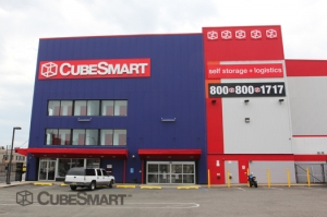 Woodhaven self storage from CubeSmart Self Storage