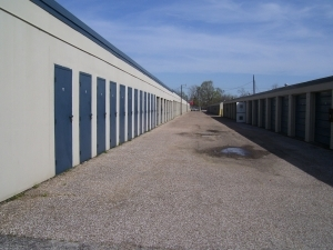 Mont Belvieu self storage from Watson & Taylor Self Storage - Baytown