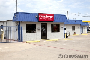 Azle self storage from CubeSmart Self Storage