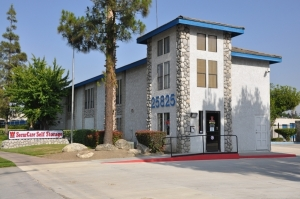 Redlands self storage from SecurCare Self Storage - Redlands - Redlands Blvd.