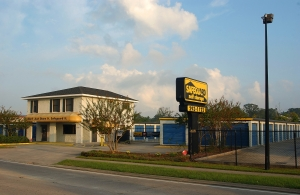 Baton Rouge self storage from Safeguard Self Storage - Baton Rouge - Coursey Blvd