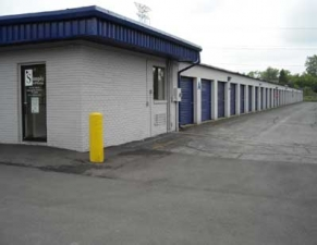 Zionsville self storage from Simply Storage - W 10th St/Ben Davis