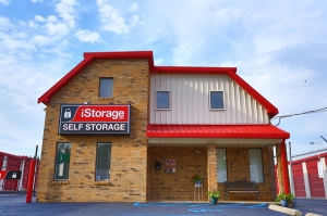 Madison self storage from iStorage Madison Castle Dr