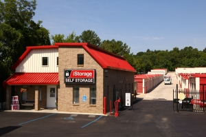Laceys Spring self storage from iStorage Huntsville