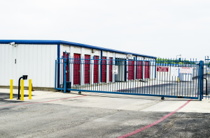 Arlington self storage from Storage & Moving Logistics - Fort Worth