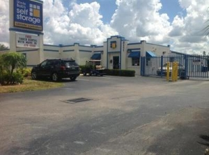 Fort Myers self storage from Uncle Bob's Self Storage - Fort Myers - Cleveland Avenue