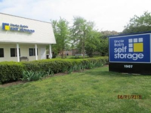 Norfolk self storage from Uncle Bob's Self Storage - Chesapeake - Campostella Road