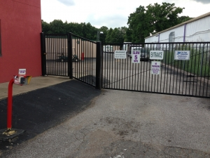 Frayser Self Storage - Photo 4