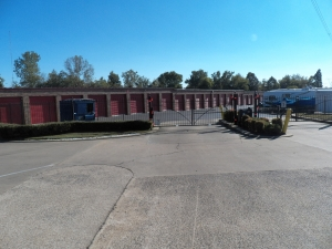 Bartlett self storage from Devon Self Storage - Macon