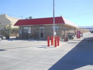 Victorville self storage from Devon Self Storage - Highway 18