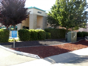 Sacramento self storage from LifeStorage of Pell Industrial