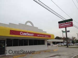 River Oaks self storage from CubeSmart Self Storage