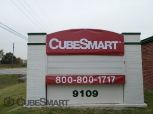 Alvin self storage from CubeSmart Self Storage