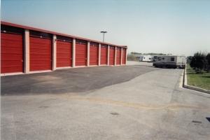 Mini U Storage - Columbia - Photo 4