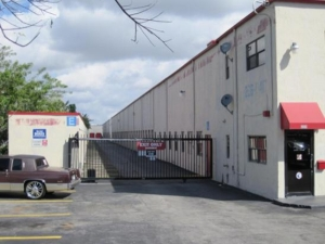 Hialeah self storage from 1st Choice Storage - Miami