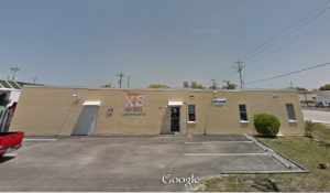 Fort Myers self storage from X-S Storage - 1113 SE 12th Avenue