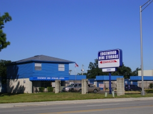 Lakeland self storage from Edgewood Mini Storage