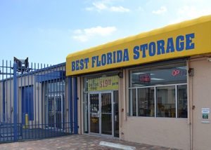 Plantation self storage from Storage Post - Lauderdale Manors