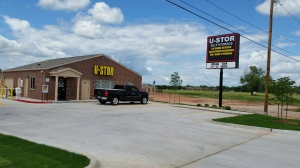 Midwest City self storage from U-Stor SE 29th