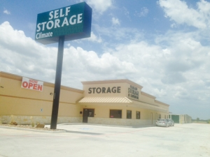 Manvel self storage from Pearland Storage @ Southfork