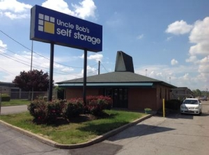 Ballwin self storage from Uncle Bob's Self Storage - Fenton - 485 North Highway Drive