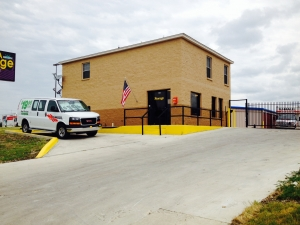 Schertz self storage from Move It Self Storage - Crestway