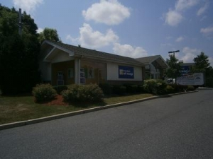 New Brunswick self storage from Uncle Bob's Self Storage - Jamesburg - 268 Gatzmer Avenue
