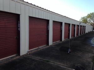 Houston self storage from Happy Self Storage - 43rd St.