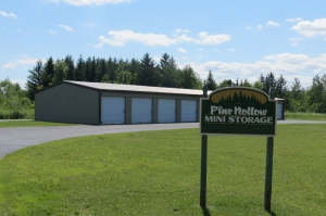 Pewaukee self storage from Pine Hollow Storage
