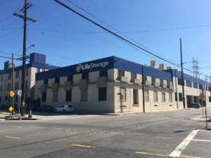 Life Storage - Los Angeles - East Commercial Street