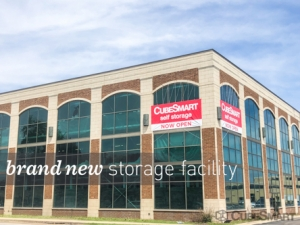 CubeSmart Self Storage - Chicago - 6000 W Touhy Ave